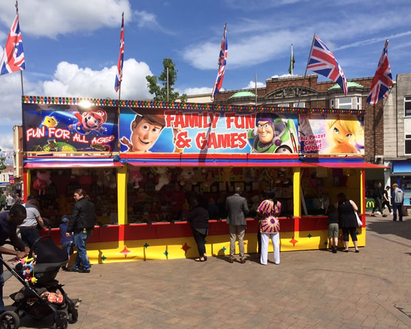 themed rides and attractions for rent